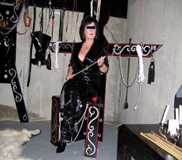 Mistress Jamie Bond