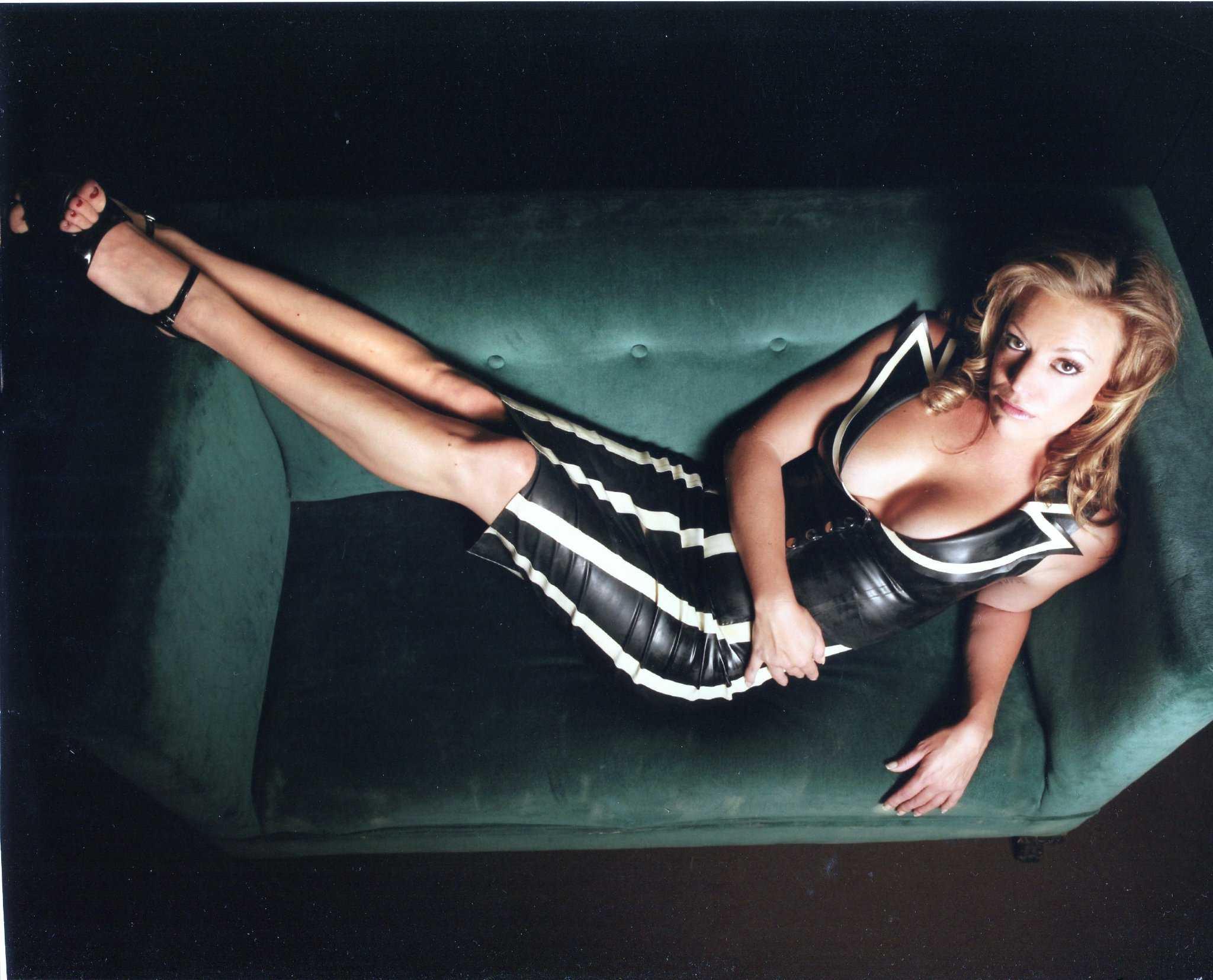 Mistress Corinne