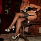 Mistress Brescia in reggicalze e scarpe maculate